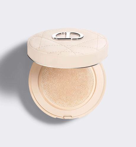 Dior - 迪奥锁妆气垫蜜粉* 清新雾感  轻薄定妆  花萃**护肤